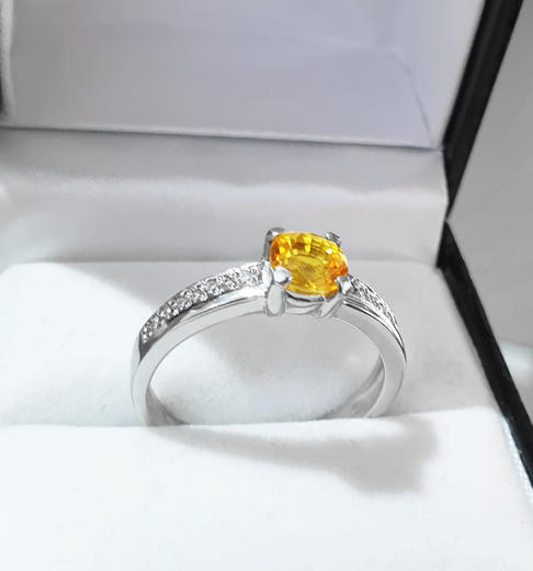 Zlatý prsten se safírem a diamanty PD341  - 2