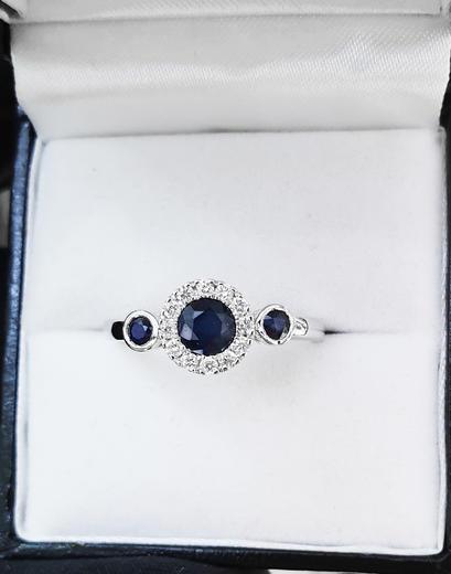 Zlatý prsten se safíry a diamanty 30168  - 2