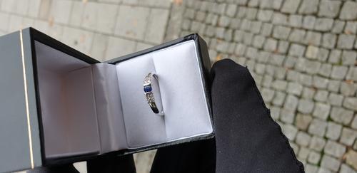 Zlatý prsten se safírem a diamanty 30146  - 3