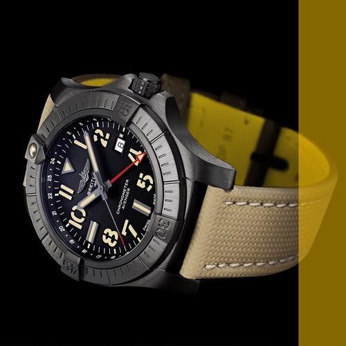 BREITLING Avenger Night Mission GMT 45 V32395101B1X1  - 3