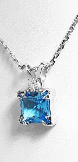 Zlatý přívěšek s topazem a diamanty 023609  - 3