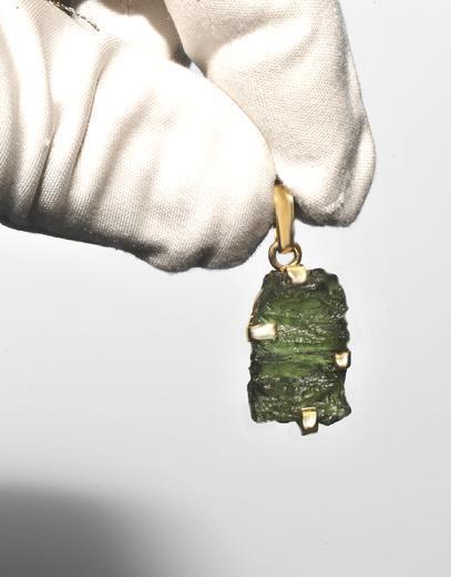Zlatý přívěšek s vltavínem P35  - 2