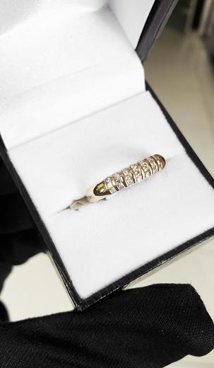 Zlatý prsten s diamanty PD318  - 3