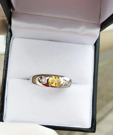 Zlatý prsten se safírem a diamanty 015297  - 3