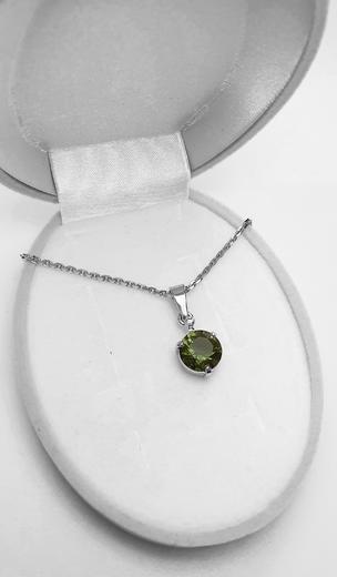 Zlatý přívěšek s vltavínem a diamantem 023577  - 3