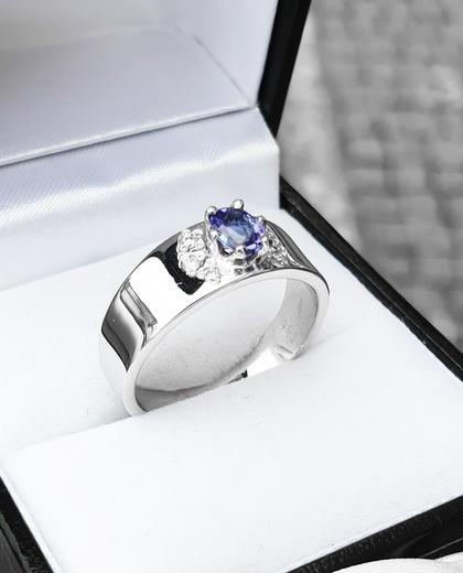 Zlatý prsten se safírem a diamanty 015097  - 4
