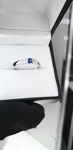 Zlatý prsten se safírem a diamanty 30146  - 4