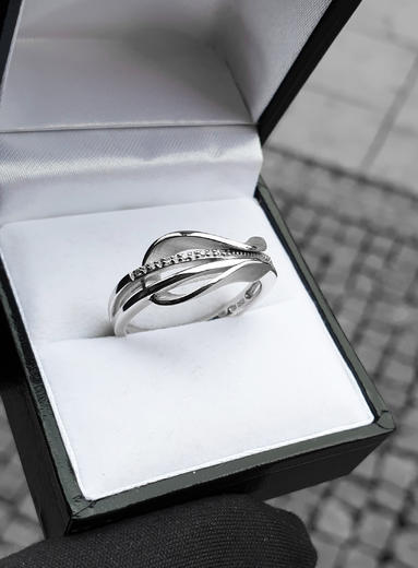 Zlatý prsten s diamanty 039346  - 3