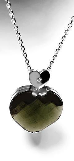 Zlatý přívěšek vltavínové srdce 023150  - 4