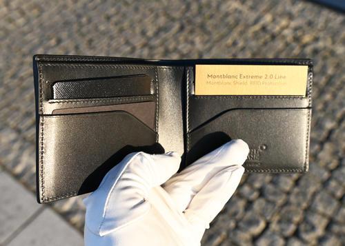 MONTBLANC Etreme 2.0 peněženka 6cc black and blue 128613  - 4
