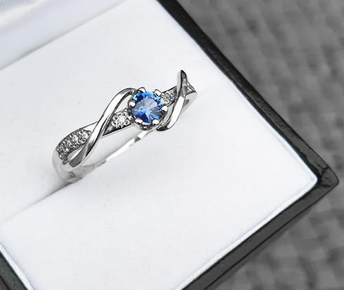 Zlatý prsten se safírem a diamanty 015084  - 4