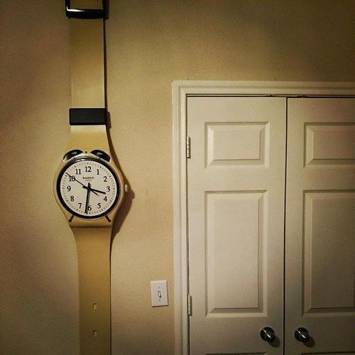 SWATCH nástěnné hodiny MGT105 MAXI SVEGLIA  - 5